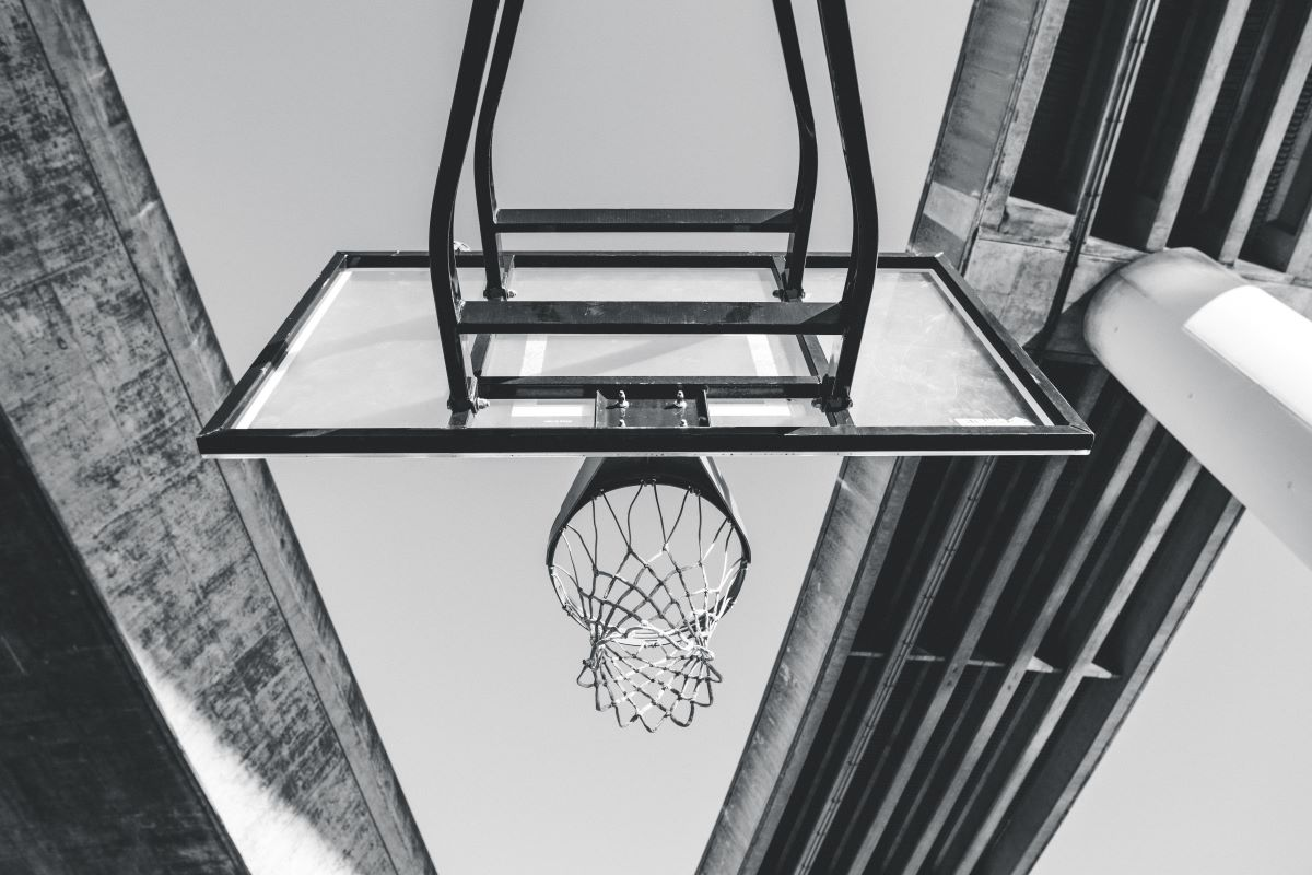 How to put on a basketball net with or without a hook-Unsplash-Ian Simmonds